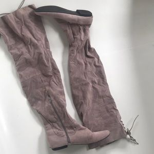 Super Cute Gray Over the knee boots!!